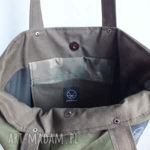 na ramię: solidna torba