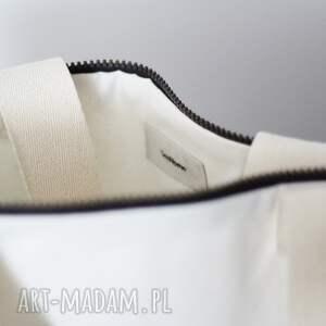 torebka na ramię torba wykonana z jasnej bawełny z bawełnianą