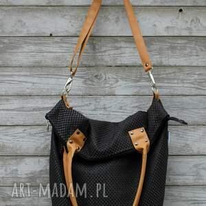 beżowe na ramię worek torba plecionka czarna #