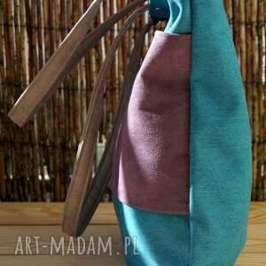 torba na ramię turkusowe przedmiotem sprzedaży jest widoczna na zdjęciu