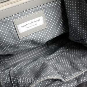Torebki Niezwykle pomysł na upominki na świętaTorebka Listonoszka - tkanina szara i skóra czarna - urodziny elegancka