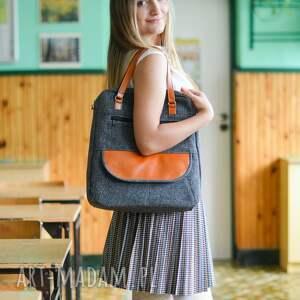 pomysł na upominki na święta torebka listonoszka - szara