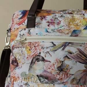 pomysł na świąteczne prezenty beżowe torebka listonoszka - ptaszki