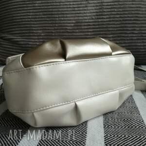 prezent święta torebka z klapką - perłowa