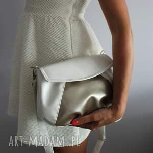 prezent święta nowoczesna torebka z klapką - perłowa