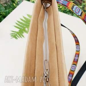 listonoszka na ramię brązowe wegańska z haftem