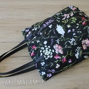 elegancka na ramię czarne worek hobo - polne kwiaty