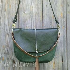 wyjątkowe na ramię torebka zielona z klapą i frędzlem