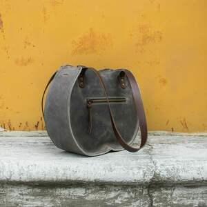 torba do pracy szara skórzana torebka wykonana