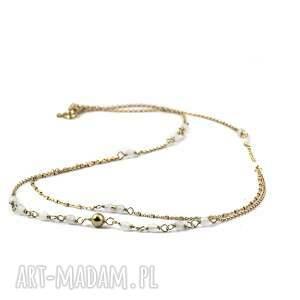 złote naszyjniki agat biały