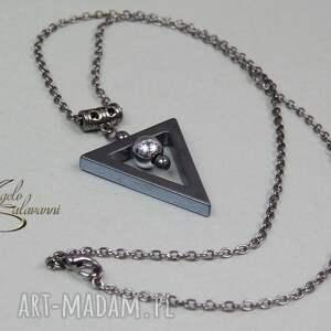 czarne naszyjnik - trianglo użyte materiały: trójkąt
