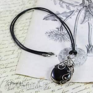 czarne naszyjniki wisior aria - naszyjnik z czarnym szkłem