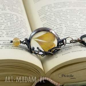 wyjątkowe naszyjniki retro jaskier - naszyjnik z płatkami