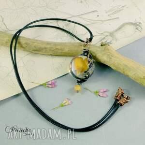 wyjątkowe naszyjniki naszyjnik jaskier - z płatkami