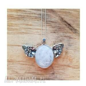 srebrny wisior naszyjniki srebrne kamień księżycowy w skrzydlatej