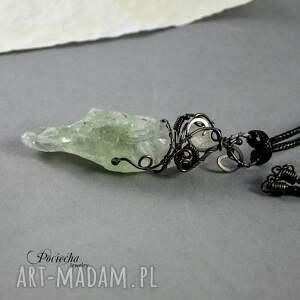 trendy naszyjniki kryształ zielony - surowy wisior