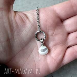 modne naszyjniki biały kwarc solar i srebro- delikatny