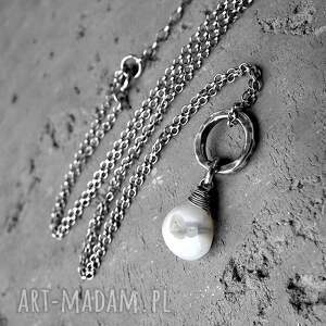 modne naszyjniki kamieńnaturalny kwarc solar i srebro- delikatny