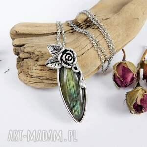 turkusowe naszyjniki zielony labradoryt z różą
