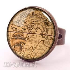 naszyjniki mapa świata - medalion