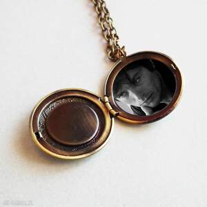 szare naszyjniki sekretnik medalion otwierany z sercem