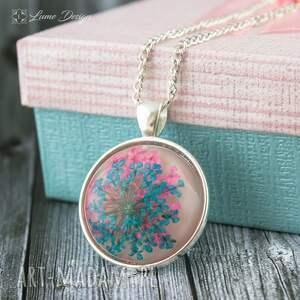 różowe naszyjniki medalion z prawdziwym kwiatem