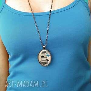 naszyjniki motyl - owalny medalion z