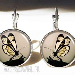 motyl naszyjniki w sepii - medalion