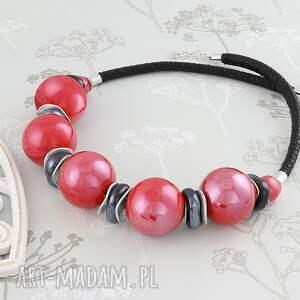 czarne naszyjniki kula naszyjnik - czerwona ceramika
