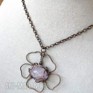 hand made naszyjniki wisiorek z-kamieniem naszyjnik: kwiatek z ametystem