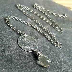 gustowne naszyjniki biżuteria na prezent naszyjnik srebrny z fasetowaną