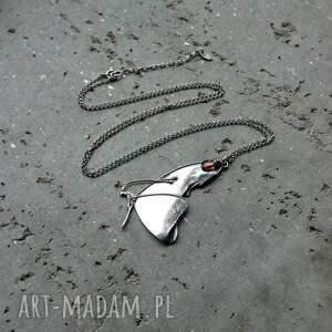naszyjniki z kamieniem naszyjnik srebrny z motylem