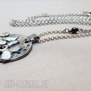 handmade naszyjniki srebro oksydowane naszyjnik srebrny z granatem {775}