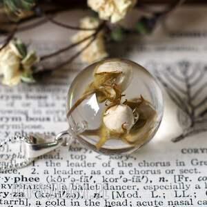 oryginalne naszyjniki róże naszyjnik z kremowymi różyczkami