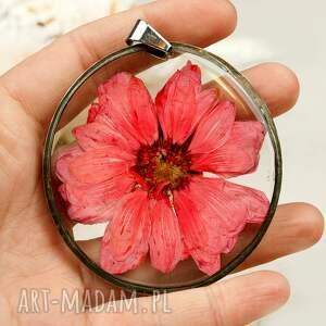 czerwone naszyjniki kwiat-w-żywicy naszyjnik z margerytką biżuteria