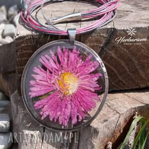 unikalne naszyjniki naszyjnik boho z suszonym kwiatem wzór