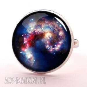naszyjniki kosmiczna nebula - medalion z łańcuszkiem