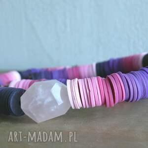 frapujące naszyjniki naszyjnik odcienie różu i fioletu,