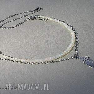 białe naszyjniki opale australijskie - naszyjnik