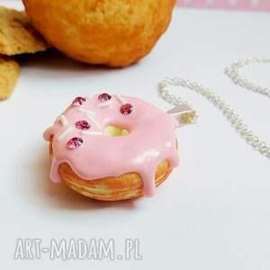 unikalne naszyjniki fimo pączek w polewie - wisiorek różowy