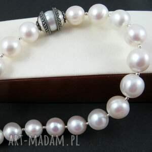 niepowtarzalne naszyjniki perły perła uwięziona