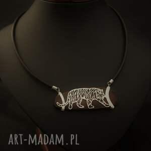 Jachyra Jewellery naszyjniki: Przyczajony tygrys srebro