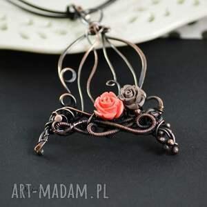 gustowne naszyjniki biżuteria-z-miedzi romantic cage- naszyjnik