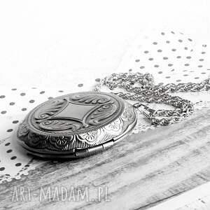 naszyjnik naszyjniki turkusowe romantyczny medalion sekretnik