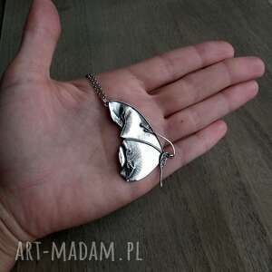hand-made naszyjniki srebrny secret garden- naszyjnik z motylem.