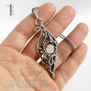 kwarc naszyjniki squamis i srebrny naszyjnik