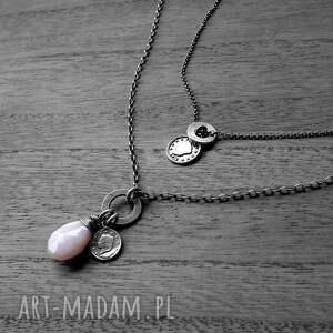 różowe naszyjniki z-zawieszkami 2 srebrne- z zawieszkami