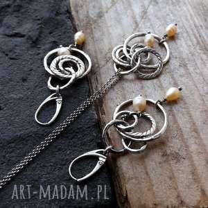ciekawe naszyjniki boho srebro i perły - długi naszyjnik