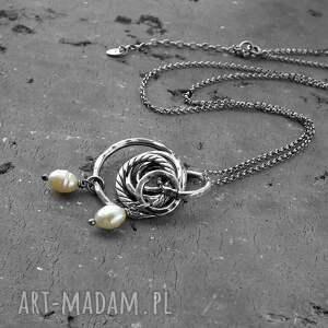 ciekawe naszyjniki długi srebro i perły - naszyjnik