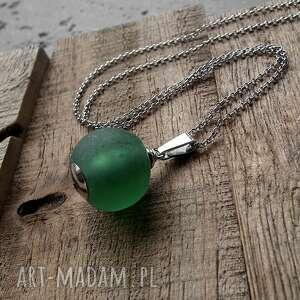 zielone naszyjniki butelkowa-zieleń srebro i szkło afrykańskie- surowy